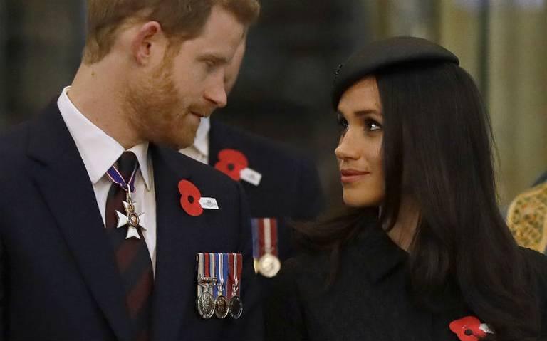Príncipe Harry y Meghan renuncian a sus funciones en familia real británica