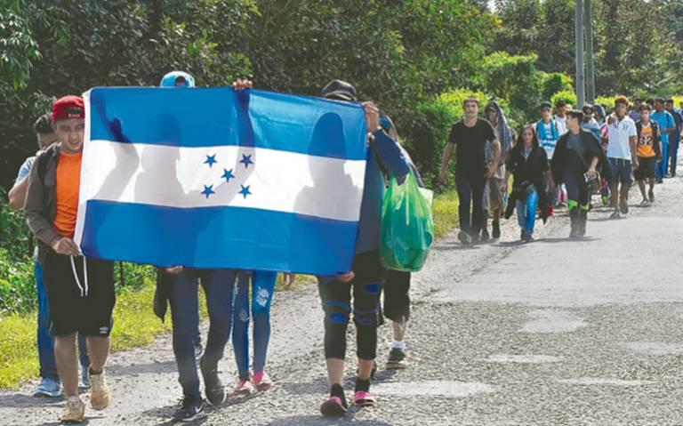 AMLO ofrece 4 mil empleos a migrantes y connacionales en la frontera Sur