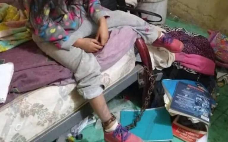 Rescatan a niña encadenada a su cama en San Luis Potosí