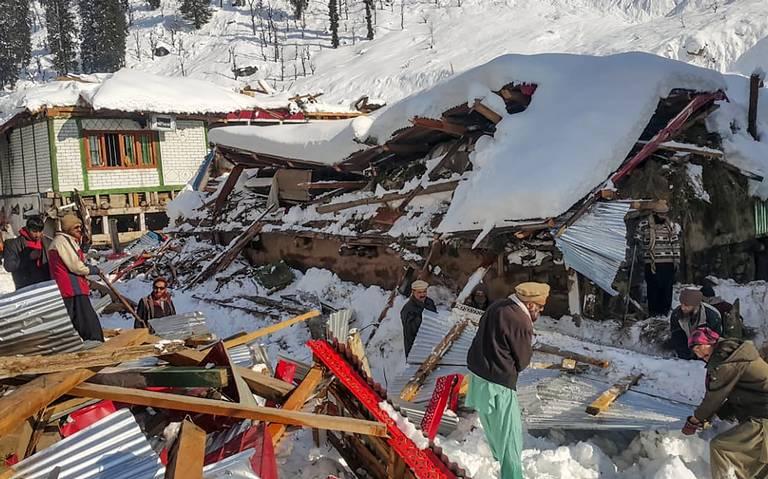 Avalancha deja al menos 75 muertos en Pakistan