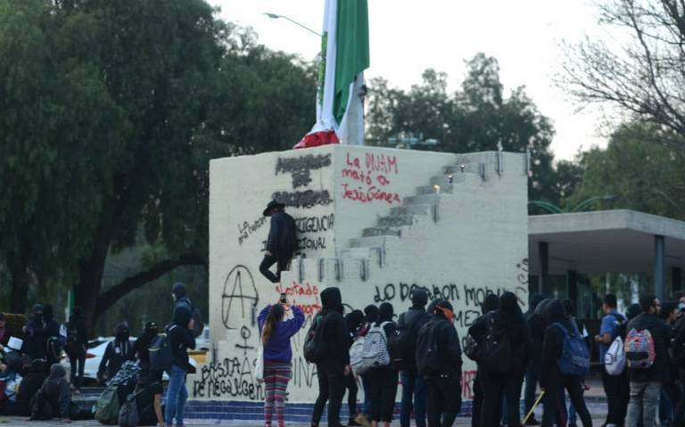 Estudiantes de la UNAM exigen mejores condiciones en casos de emergencias médicas
