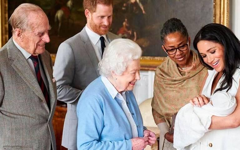 ¿Por qué la Reina Isabel tiene la custodia legal del hijo de Meghan y Harry?