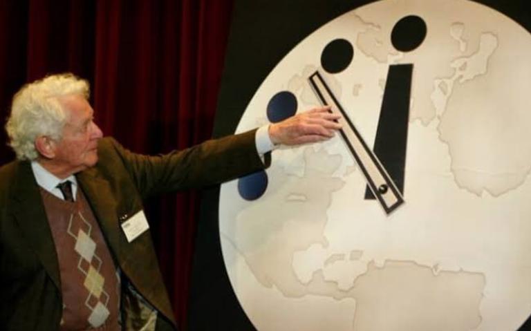 Adelantan Reloj del Apocalipsis: el fin del mundo está 100 segundos más cerca