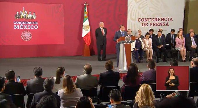 Anuncia el presidente exposición sobre drogas en el la Plaza de la Constitución