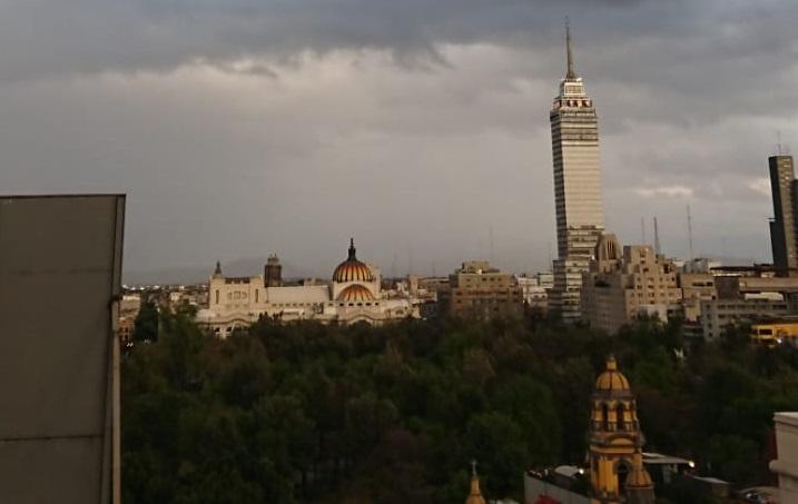 Se pronostican lluvias fuertes y tormentas hacia el anochecer en la capital