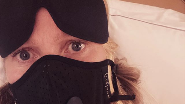 La polémica foto de Gwyneth Paltrow con una mascarilla contra el coronavirus