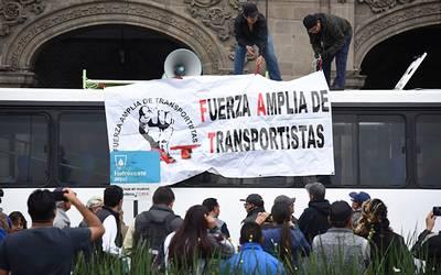 Megamarcha anuncian transportistas este miércoles