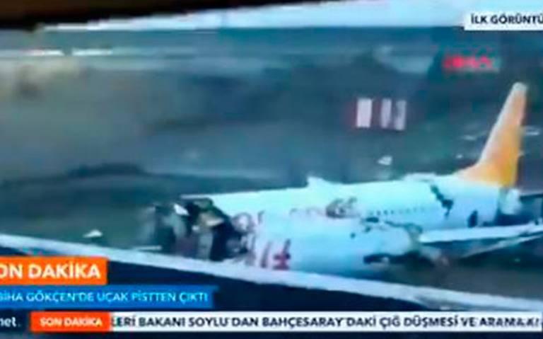 Avión se sale de pista al aterrizar en Estambul y se parte en tres