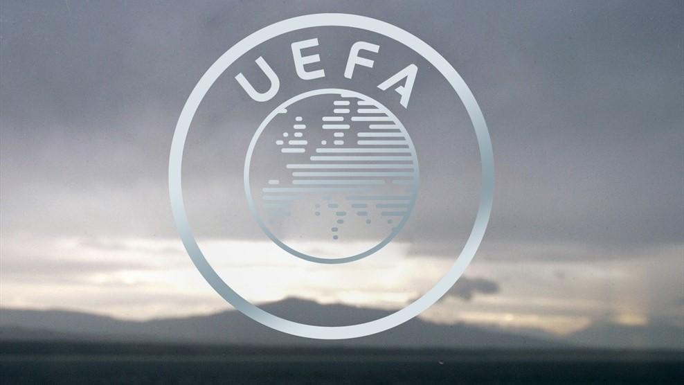 COVID pospone finales de Champions y Europa League
