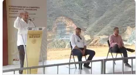 Supervisión de la carretera Badiraguato-Guadalupe y Calvo en Sinaloa