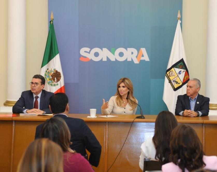 Gobernadora de Sonora firma declaratoria de emergencia sanitaria por COVID-19