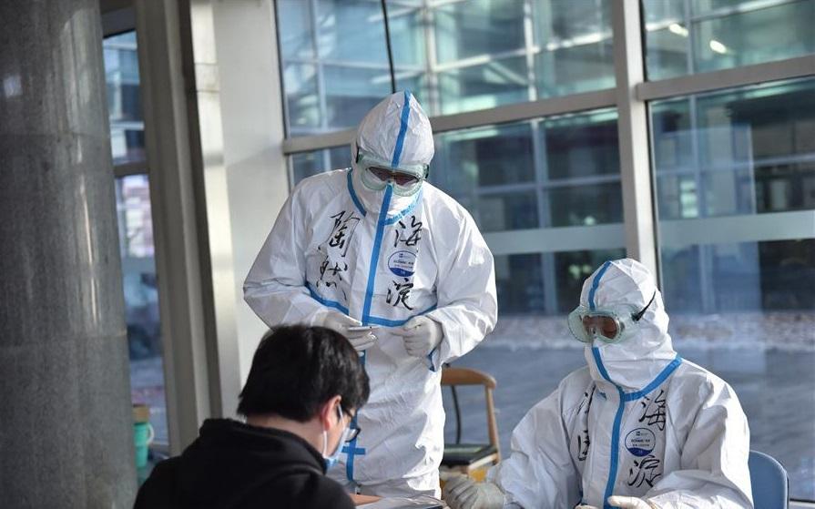 China podría tener lista una posible vacuna contra el COVID-19