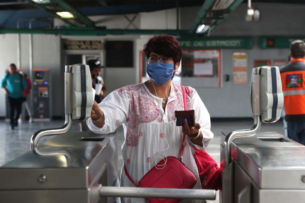 El metro de la CDMX distribuirá 1 millón de cubrebocas a usuarios