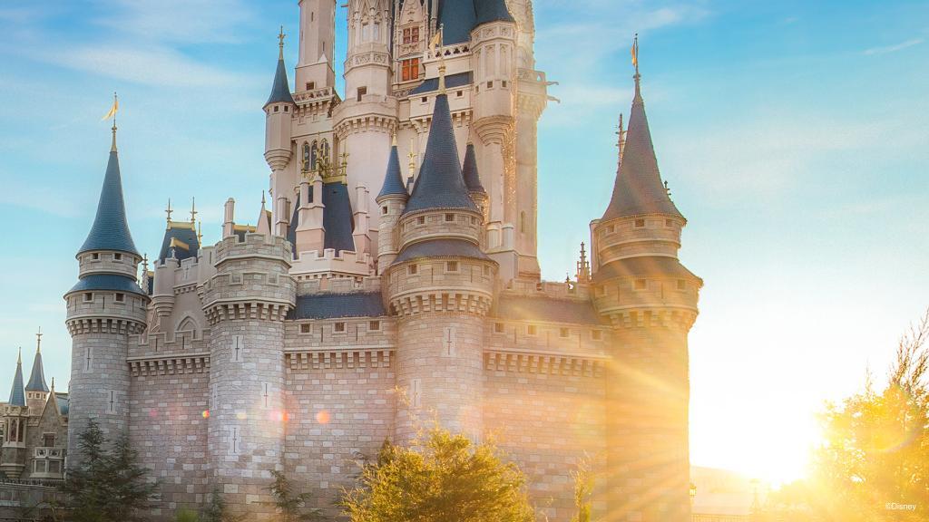 Disney World suspende a 43 mil empleados debido al COVID-19
