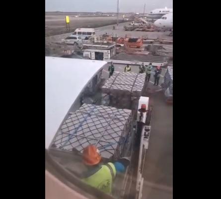 Despega a México vuelo con equipo médico