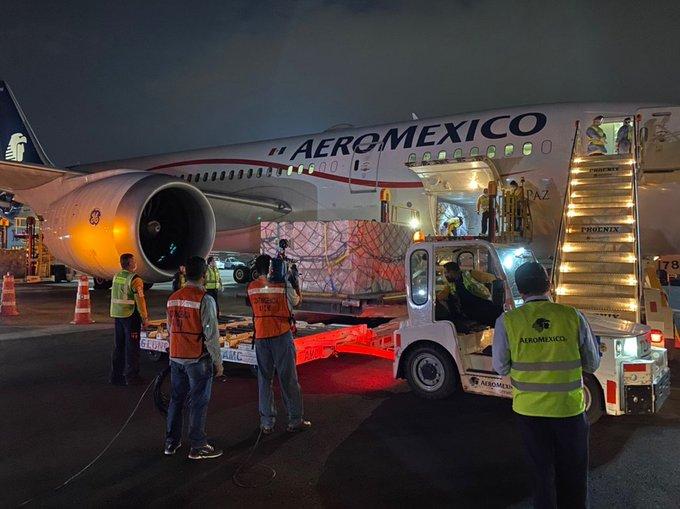 Llega a México quinto avión procedente de China  con insumos médicos
