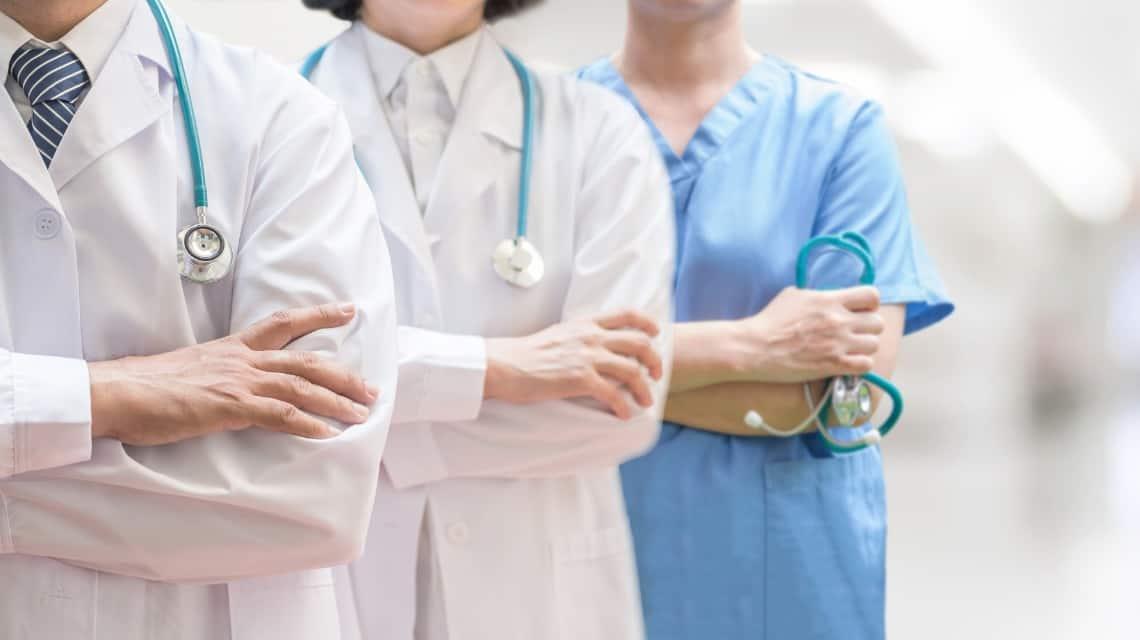 Buscan Médicos y Enfermeros en la Ciudad de México