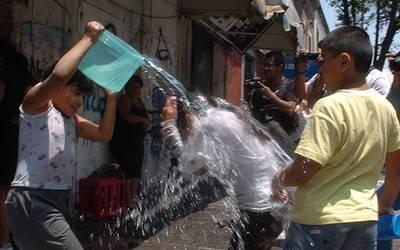 Exhortan a no desperdiciar agua por Sábado de Gloria