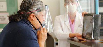Implementa Edoméx programa de informes médicos de pacientes COVID-19 por videollamada