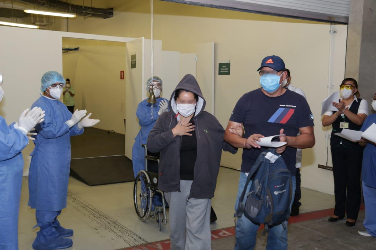 """Once pacientes sospechosos y positivos de COVID-19 son dados de alta del Hospital de Expansión """"Autódromo Hermanos Rodríguez"""""""