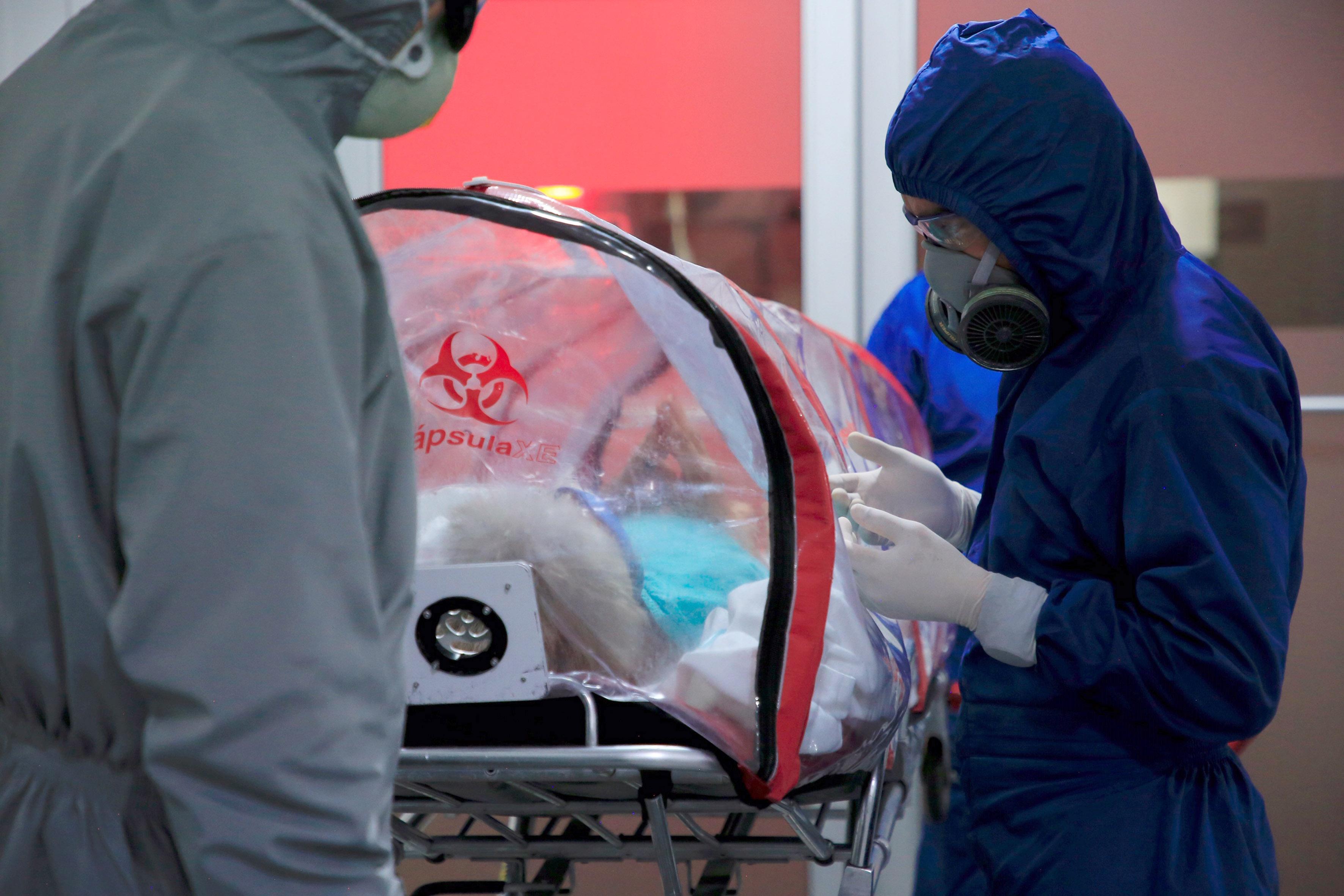 Centro de Atención Temporal COVID-19 Anexo Hospital General de Zona 24 recibe a los dos primeros pacientes