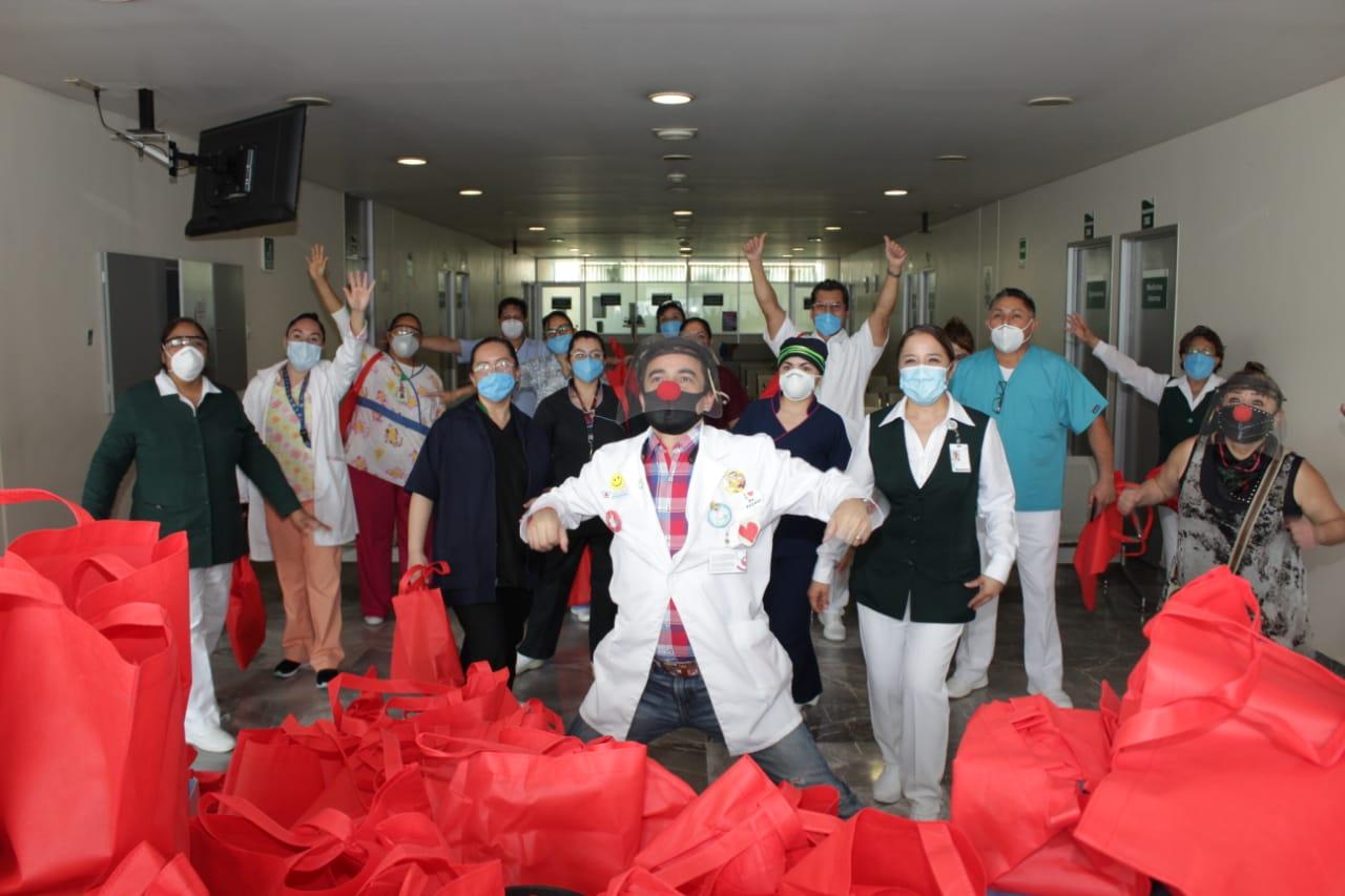 Recibe grata sorpresa personal médico que atiende a pacientes con COVID-19