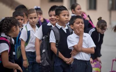 "Reciben alumnos de escuelas públicas segundo apoyo de 500 pesos en ""Mi Beca para Empezar"""