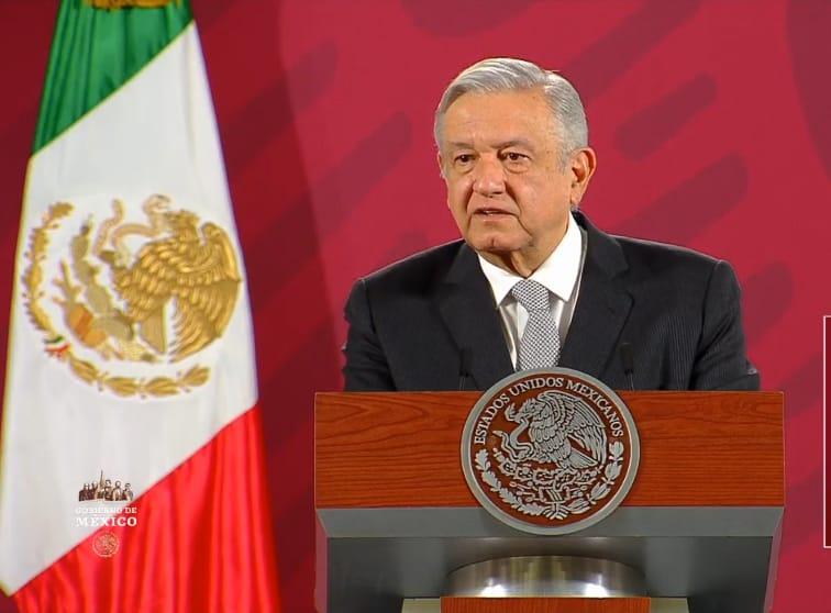 """""""Los maestros y maestras son en alma de México"""", el Presidente felicita al magisterio en su día."""
