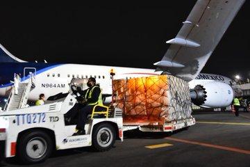 Llega onceavo vuelo de China, con insumos médicos