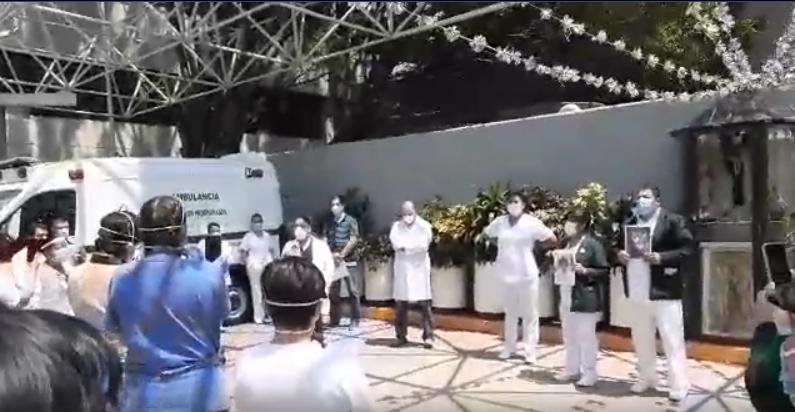 Despiden en redes sociales a Jefa Miriam en el Hospital Macgregor de la Ciudad de México