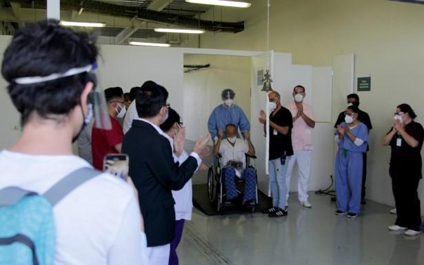Reconoce Edoméx profesionalismo ante COVID-19 de las y los paramédicos del SUEM en su 44 aniversario