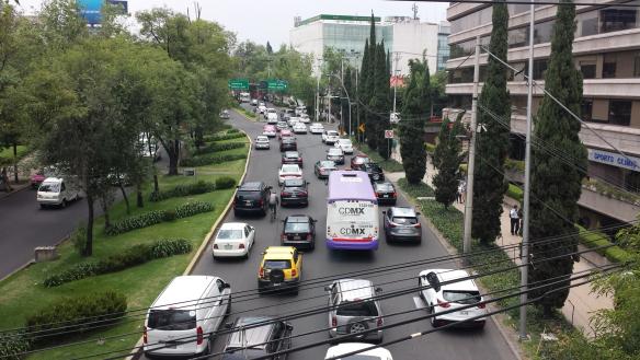 Gobierno de la Ciudad de México entregan bonos de combustible a concesionarios