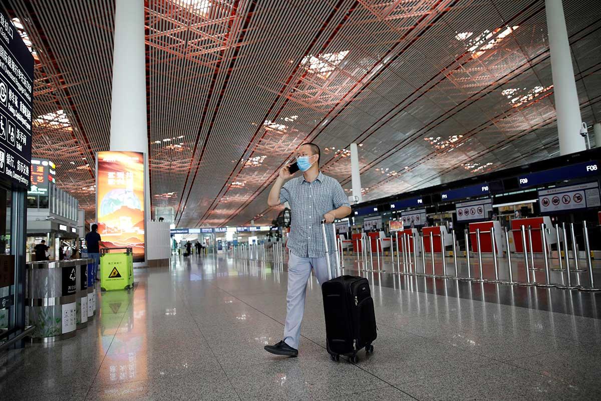 Nuevo brote de COVID-19 nuevamente frena actividades en Pekín