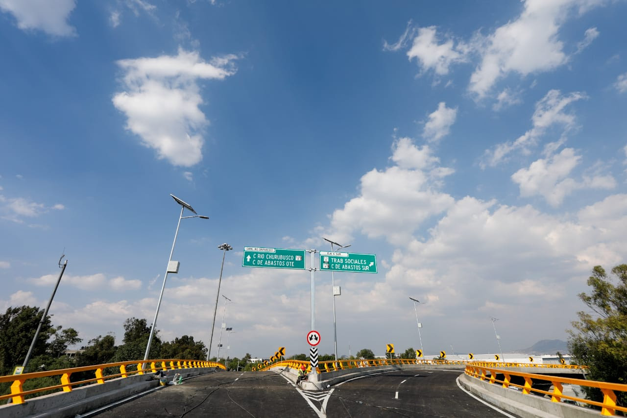 Gobierno de la Ciudad de México inaugura adecuación de puente vehicular en Circuito Interior y Eje 6 Sur