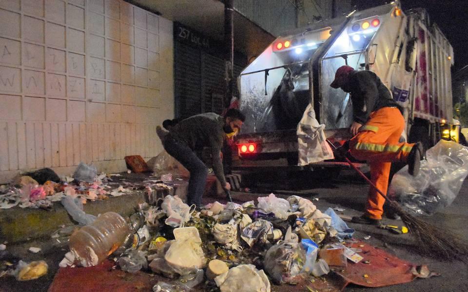 Trabajadores de limpias de la CDMX piden un bono extra por el riesgo que corren