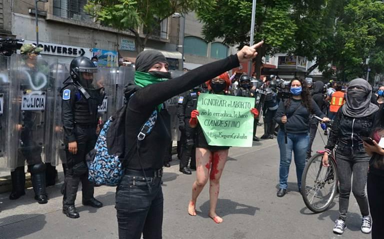 Fallo sobre aborto en Veracruz, causa manifestaciones en la Ciudad de México