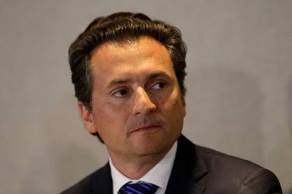 Lozoya arriba a México, pero directo al hospital