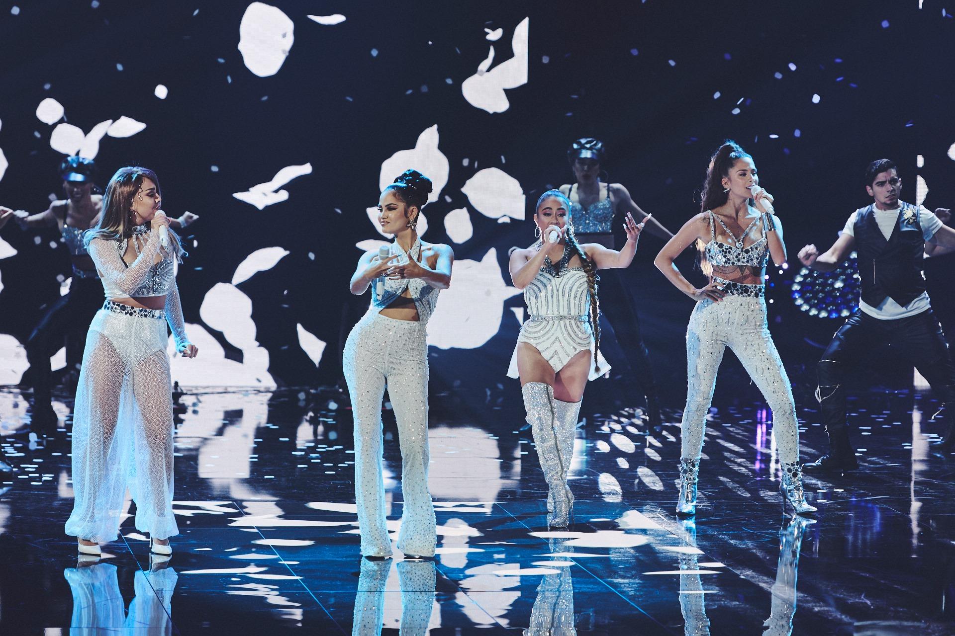 Danna Paola rinde homenaje a Selena Quintanilla en Premios Juventud 2020