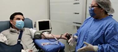 Zoé Robledo, director del IMSS, dona plasma tras recuperación de COVID-19