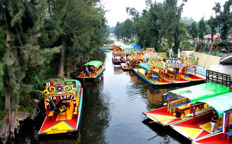 Inicia reapertura de embarcaderos en Xochimilco