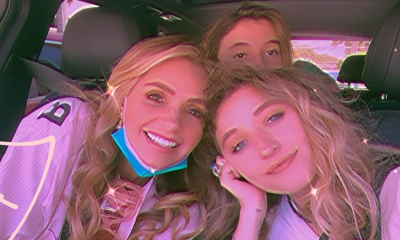 Angélica Rivera posa con sus hijas y surgen rumores de su nueva telenovela