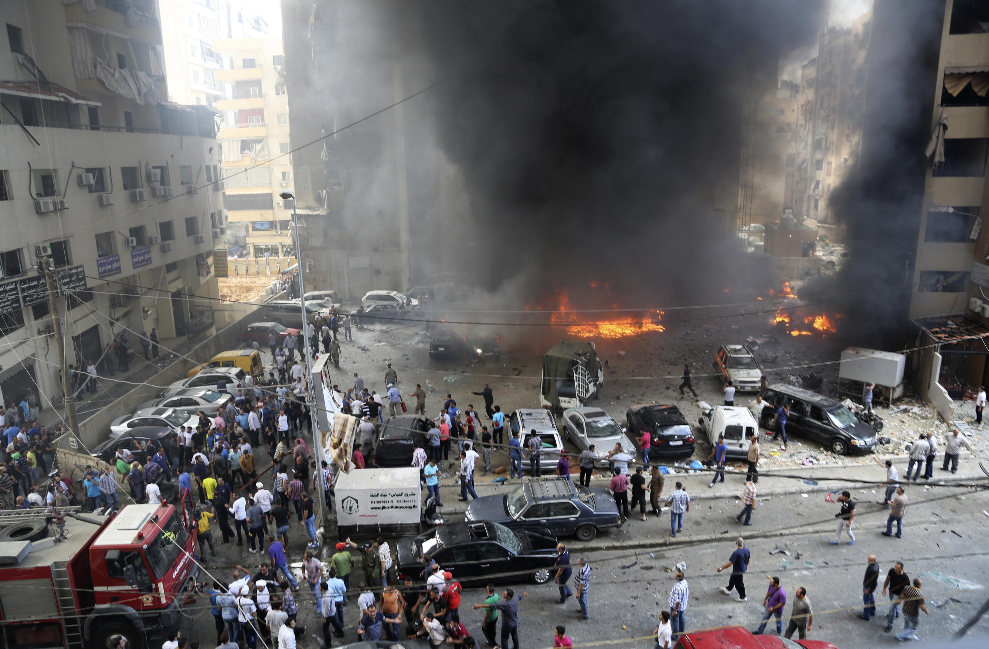 Fuerte explosión reportada en el puerto de Beirut hace un momento