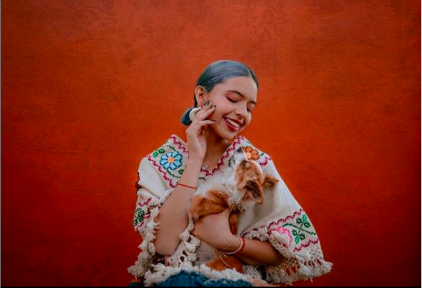 Ángela Aguilar: su abuela luce igual de hermosa que María Félix