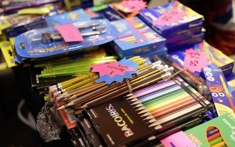 CONACO calcula caída de venta de útiles escolares, será hasta un 50%