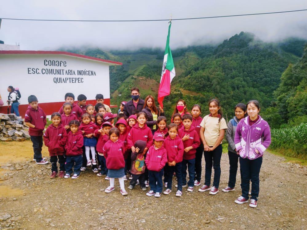 Ganan escuelas del Conafe en Puebla y Nuevo León premio en sorteo de la Lotería Nacional