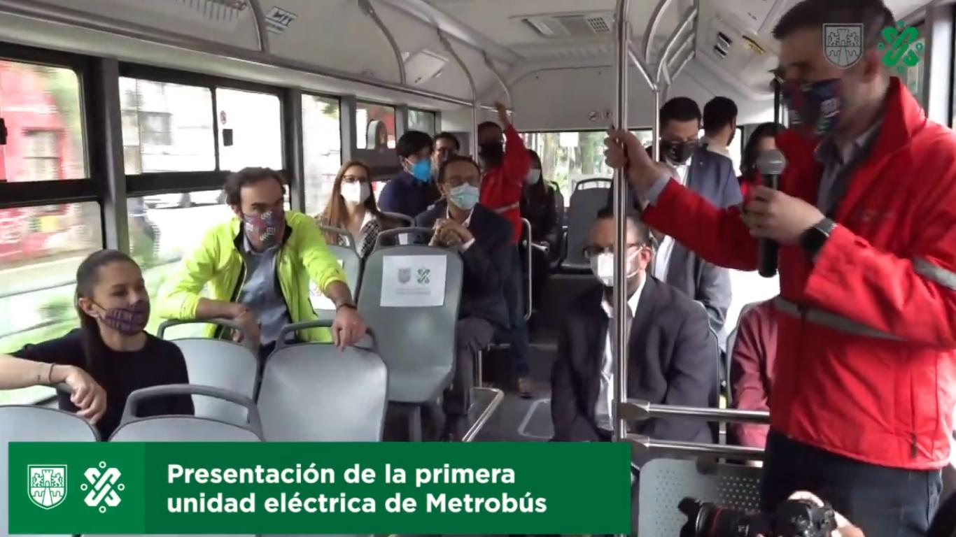Presentan el primer Metrobús eléctrico de los diez que operarán en la Ciudad de México