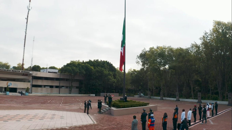 Alcaldía Benito Juarez realizó el izamiento de bandera y un homenaje a los fallecidos por COVID-19