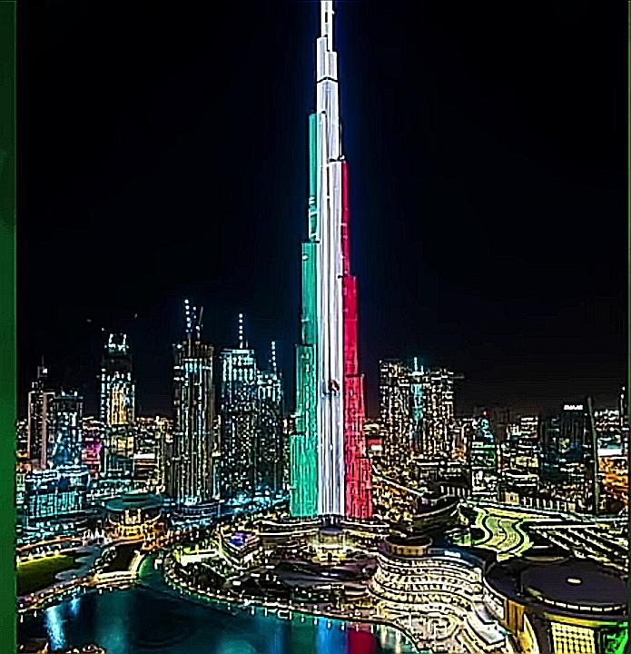 El edificio más alto del mundo en Dubái se ilumina de colores tricolor