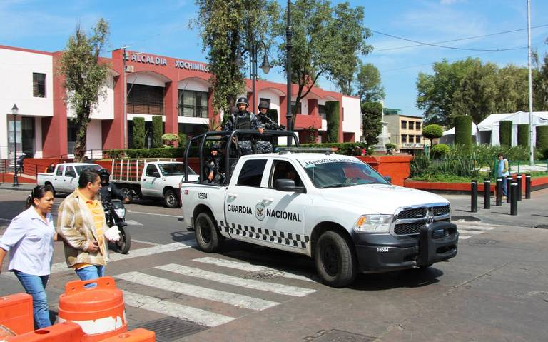 Trabajadores detienen vialidades en Xochimilco por falta de pago
