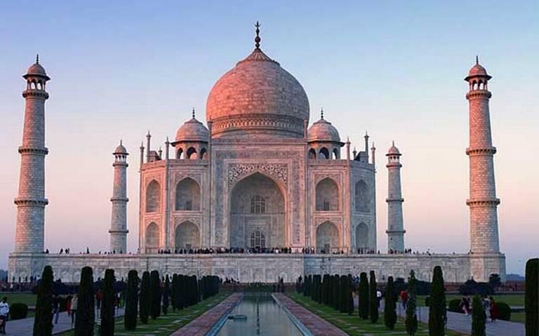 El Taj Mahal reabre sus puertas